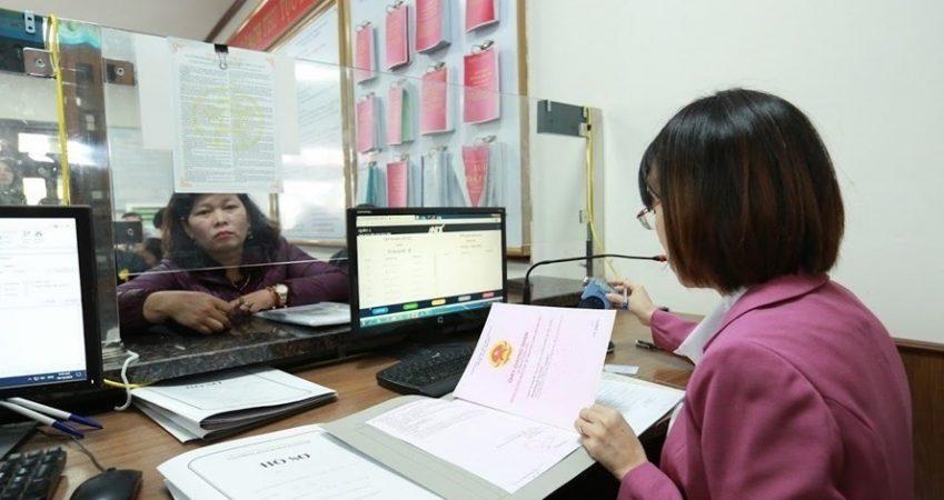 Điều kiện miễn thi ngoại ngữ, tin học chuyên viên chính năm 2021